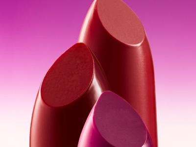 唇釉和口红哪个危害大 相比起来唇釉更安全